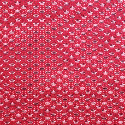 Tecido-Tricoline-Estampado-Coroas-Fundo-Vermelho-Della-Aviamentos.